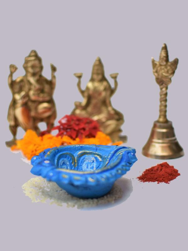 Leaf shaped Decorated Diya